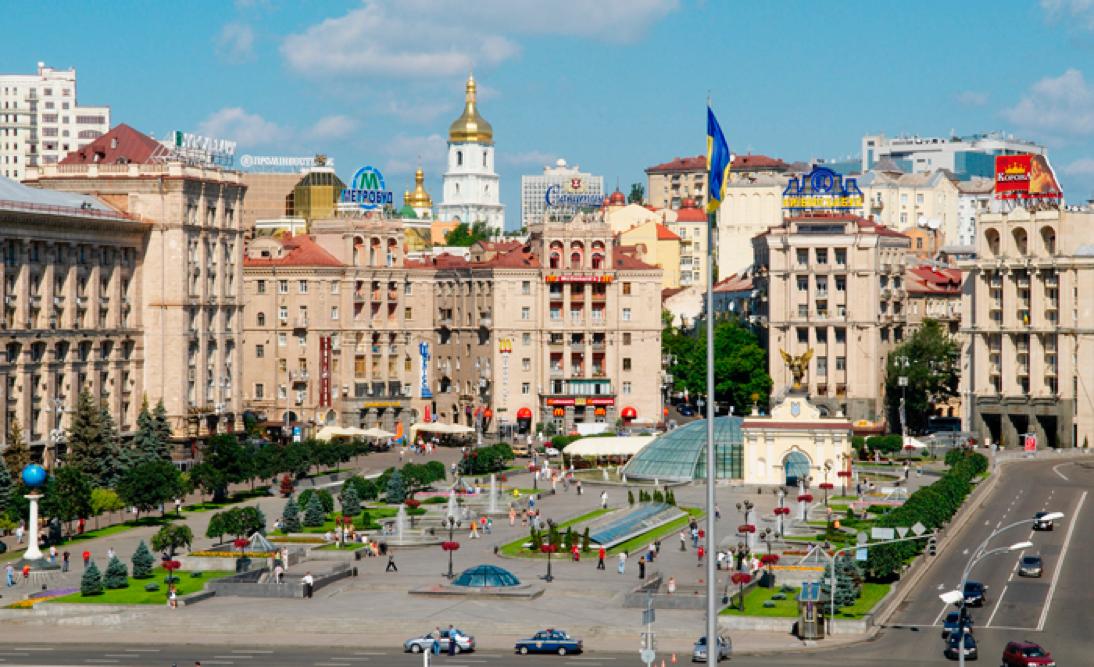 Plaza de la Independencia (en ucraniano, Plaza del Maidán), escenario de numerosas manifestaciones y protestas a lo largo de los años. Más abajo podrán ver el estado de la plaza tras las protestas del 2013/2014.