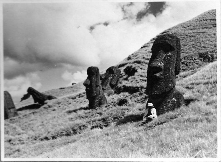 Figura 4. F. Felbermayer en su viaje de 1946 a Isla de Pascua. Colección Felbermayer, Museo Fonck.