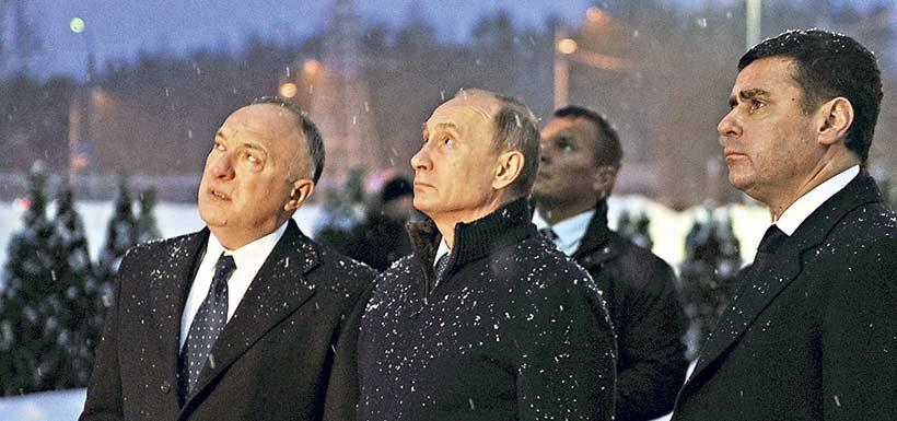 russian-president-vladimir-putin-35623112-820x385